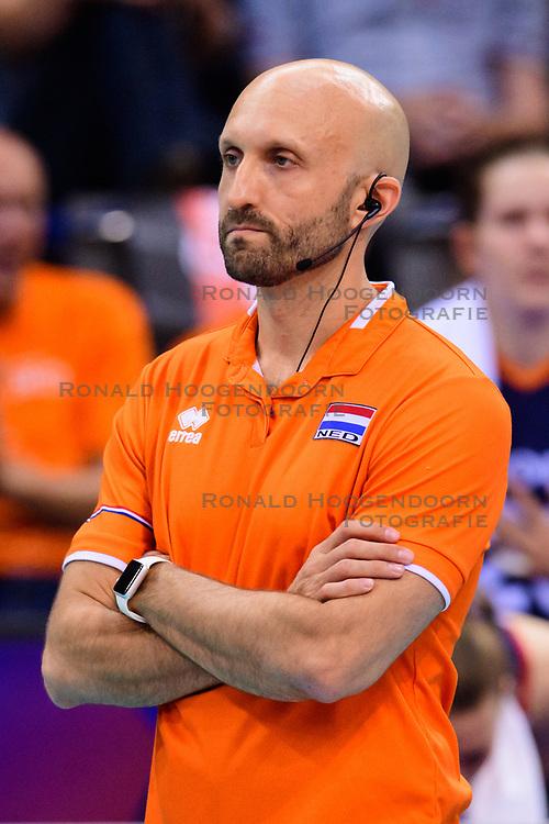 12.06.2018, Porsche Arena, Stuttgart<br /> Volleyball, Volleyball Nations League, Türkei / Tuerkei vs. Niederlande<br /> <br /> Jamie Morrison (Trainer NED)<br /> <br /> Foto: Conny Kurth / www.kurth-media.de