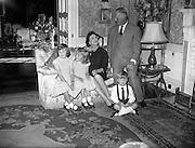 19/09/1960<br /> 09/19/1960<br /> 19 September 1960<br /> Earl and Countess of Rosse and family. Lawrence Michael Harvey Parsons, 6th Earl of Rosse and Anne Messel, Countess Rosse with her grandchildren Emma, Catherine and Tom at their home in Birr Castle, Co. Offaly.