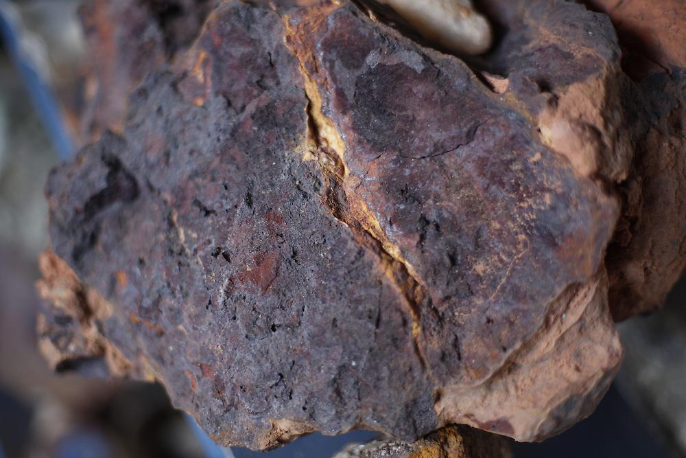 Itinga_MG, Brasil.<br /> <br /> Pedras usadas para fazer tintas de pigmentos naturais usadas em artesanato em Itinga, Minas Gerais.<br /> <br /> Stones used to make natural pigments used in crafts Itinga, Minas Gerais.<br /> <br /> Foto: LEO DRUMOND / NITRO