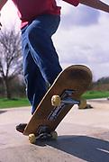 AF5CNA Children playing at a skate park