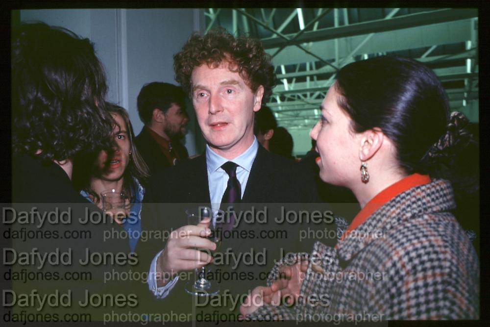 Malcolm McLaren, Young British Artists, Saatchi Gallery, 4.3.92© Copyright Photograph by Dafydd Jones 66 Stockwell Park Rd. London SW9 0DA Tel 020 7733 0108 www.dafjones.com