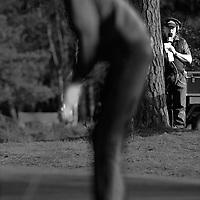 Nederland, Hilversum, 12-10-2003.<br /> Golf, Dutch Open, European Tour 2003.<br /> Iedereen is zo stil mogelijk of verstopt zich als hij recorder is en toch moet praten als winnaar Maarten Lafeber put.<br /> Foto: Klaas Jan van der Weij.