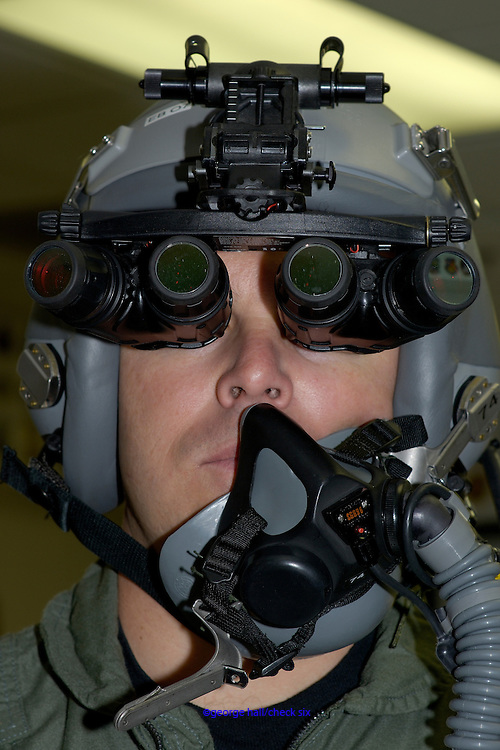 Panoramic night vision goggles used in F/A-22