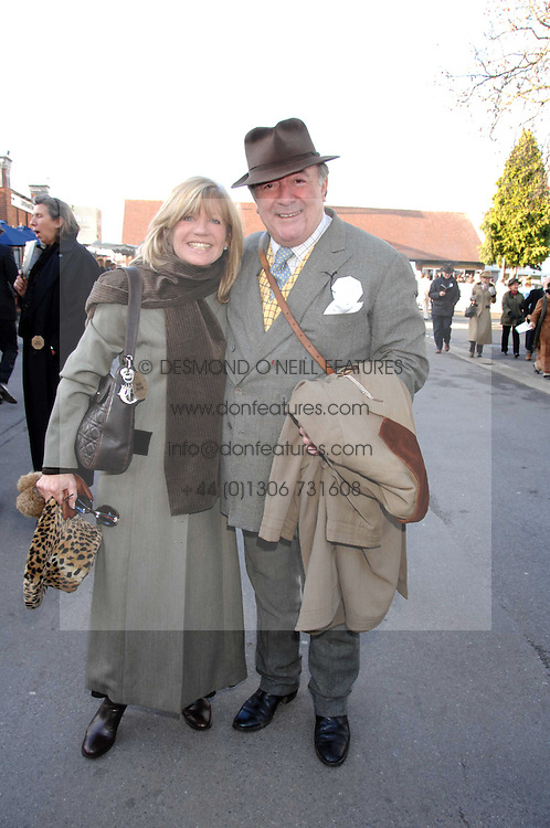 INGRID SEWARD and SIR DAI LLEWELLYN at the 2007 Hennessy Gold Cup held at Newbury racecourse, Berkshire on 1st December 2007.<br /><br />NON EXCLUSIVE - WORLD RIGHTS