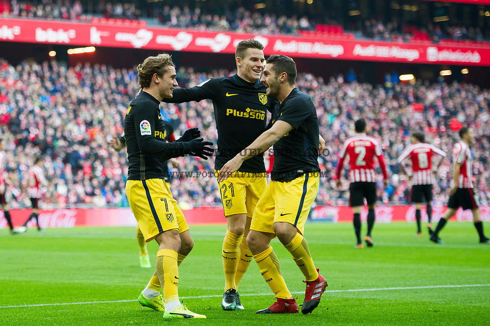 BILBAO, SPAIN - JANUARY 22:Antoine Griezmann of Atletico Madrid celebrates with his teammate Kevin Gameiro and Jorge Resurreccion 'Koke' of Atletico Madrid after scoring the opening goal during the La Liga match between Athletic Club Bilbao and Atletico Madrid at San Mames Stadium on January 22, 2017 in Bilbao, Spain.  (Photo by Juan Manuel Serrano Arce/Getty Images)