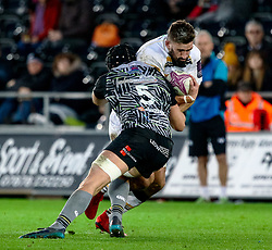 Carl Kirwan of Worcester Warriors under pressure from James King of Ospreys<br /> <br /> Photographer Simon King/Replay Images<br /> <br /> European Rugby Challenge Cup Round 5 - Ospreys v Worcester Warriors - Saturday 12th January 2019 - Liberty Stadium - Swansea<br /> <br /> World Copyright © Replay Images . All rights reserved. info@replayimages.co.uk - http://replayimages.co.uk