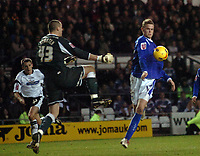 Photo: Kevin Poolman.<br />Derby County v Leicester City. Coca Cola Championship. 25/11/2006. Richard Stearnan of Leicester trys to go round Derby keeper Stephen Bywater.