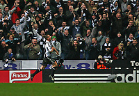 Photo: Andrew Unwin.<br />Newcastle United v Tottenham Hotspur. The Barclays Premiership. 23/12/2006.<br />Newcastle's Scott Parker celebrates scoring his team's third goal.