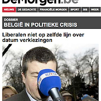 USE ARROWS ← → on your keyboard to navigate this slide-show<br /> <br /> De Morgen - Belgian newspaper<br /> Belgium - December 2008<br /> Belgian politician Bart Somers hit by a microphone.<br /> Photo: Ezequiel Scagnetti