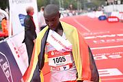 Marathon: Haspa Hamburg 2021, Hamburg, 12.09.2021<br /> Jubel von Sieger Martin Musau (Uganda)<br /> © Torsten Helmke