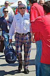 O ex-piloto escocês de fórmula 1 e três vezes campeão mundial Jackie Stewart ao desembarcar para o Grande Prémio do Brasil de Fórmula 1, em Interlagos, São Paulo. FOTO: Jefferson Bernardes/Preview.com