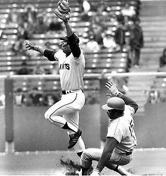 Giants Tito Fuentes forces L.A.Dodger Dick Allen at 2nd<br />base...(1971 photo/Ron Riesterer)