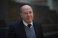 DEU, Deutschland, Germany, Berlin,28.02.2018: Portrait von Dr. Gregor Gysi (Die Linke) in der Bundespressekonferenz.