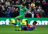 Football - 2018 / 2019 Premier League - Crystal Palace vs. Watford<br /> <br /> Watford's Roberto Pereyra battles for possession with Crystal Palace's Aaron Wan-Bissaka, at Selhurst Park.<br /> <br /> COLORSPORT/ASHLEY WESTERN