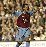 Fotball<br /> Premier League England 2004/2005<br /> Foto: SBI/Digitalsport<br /> NORWAY ONLY<br /> <br /> 30.10.2004<br /> Everton v Aston Villa.<br /> <br /> Villa's Lee Hendrie celebrates the first goal of the game