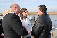 12/7/09 - 11:25:50 AM - FORTESCUE, NJ: Diana & Ken - December 7, 2009 - Fortescue, New Jersey. (Photo by William Thomas Cain/cainimages.com)