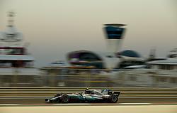 November 25, 2017 - Abu Dhabi, United Arab Emirates - #77 Valtteri Bottas (FIN, Mercedes AMG Petronas F1 Team) takes poll position during FIA Formula One World Championship 2017, Grand Prix of Abu Dhabi. (Credit Image: © Hoch Zwei via ZUMA Wire)