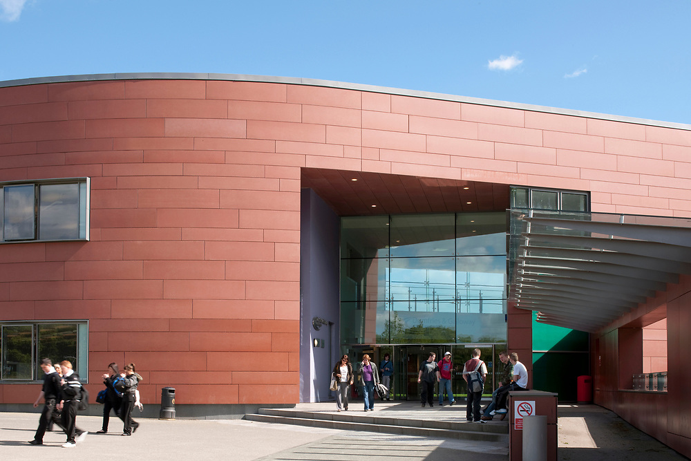 DUMFRIES AND GALLOWAY COLLEGE - EXTERNAL VIEW OF MAIN BUILDING ENTRANCE