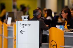 """THEMENBILD - Airport Muenchen, Franz Josef Strauß (IATA: MUC, ICAO: EDDM), Der Flughafen Muenchen zählt zu den groessten Drehkreuzen Europas, rund 100 Fluggesellschaften verbinden ihn mit 230 Zielen in 70 Laendern, im Bild Lufthansa Schalter mit Hinweisschild """"Ausgang"""" // THEME IMAGE, FEATURE - Airport Munich, Franz Josef Strauss (IATA: MUC, ICAO: EDDM), The airport Munich is one of the largest hubs in Europe, approximately 100 airlines connect it to 230 destinations in 70 countries. picture shows: Lufthansa counter with the sign """"exit"""", Munich, Germany on 2012/05/06. EXPA Pictures © 2012, PhotoCredit: EXPA/ Juergen Feichter"""