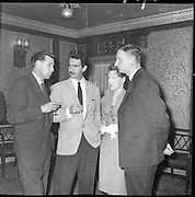 Presentation at Oifig an Comhdhail 4th april 1961, Congress,