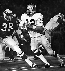 Oakland Raider quarterback Ken Stabler against the Cardnails (1970 photo by Ron Riesterer)