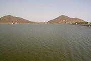 India, Rajasthan, Udaipur, Fateh Sagar lake