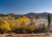 Wołkowyja (woj. podkarpackie), 2018-10-12. Jesień w Bieszczadach, widok na Jezioro Solińskie ze wsi Wołkowyja.
