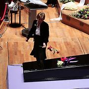 NLD/Amsterdam/20100122 - Uitvaart Edgar Vos, zus partner Geert Eijsbouts