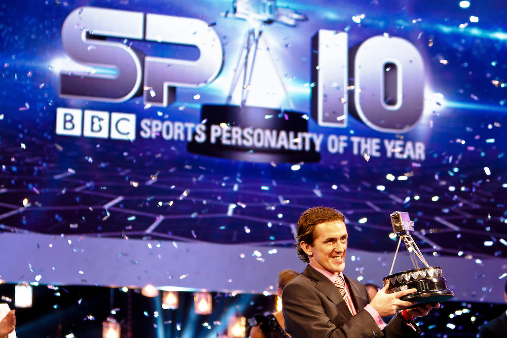 AP Mcoy with BBBC Sports Personality of the Year 2010 Awardg
