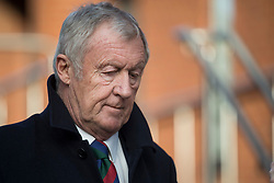 © Licensed to London News Pictures. 18/01/2018. Reading, UK. Television presenter CHRIS TARRANT leaves Reading Magistrates Court where he pleaded guilty to driving charges. The 71-year-old was reportedly stopped by police at 2. 30pm as he left the Bladebone Inn, in Bucklebury, Berkshire. Photo credit: Ben Cawthra/LNP