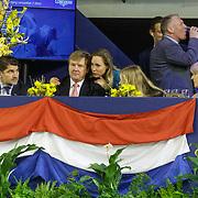 NLD/Amsterdam/20190127 - Jumping Amsterdam, dag 3, Margarita in gesprek met Willem-Alexander en dochter Amalia
