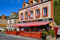 France, Manche (50), Cotentin, Barfleur, labellisé Les Plus Beaux Villages de France, le Café de France // France, Normandy, Manche department, Cotentin, Barfleur, labeled Les Plus Beaux Villages de France, Café de France bar and restaurant