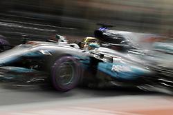 November 25, 2017 - Abu Dhabi, United Arab Emirates - Motorsports: FIA Formula One World Championship 2017, Grand Prix of Abu Dhabi, ..#44 Lewis Hamilton (GBR, Mercedes AMG Petronas F1 Team) (Credit Image: © Hoch Zwei via ZUMA Wire)