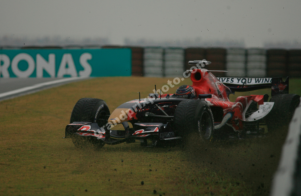 Scott Speed (Toro Rosso-Cosworth) crashed during the wet qualifying session for the 2006 Chinese Grand Prix in Shanghai. Photo: Grand Prix Photo