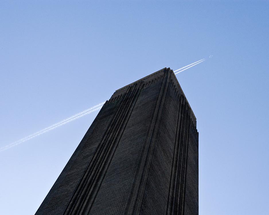 Jet stream Tate Modern in London