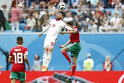 (l-r) Alireza Jahanbakhsh of IR Iran, Achraf Hakimi of Morocco