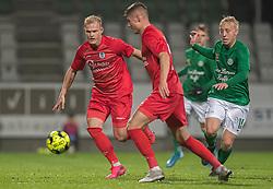 Philip Rejnhold og Frederik Juul Christensen (FC Helsingør) jagtes af Mads Aaquist (Viborg FF) under kampen i 1. Division mellem Viborg FF og FC Helsingør den 30. oktober 2020 på Energi Viborg Arena (Foto: Claus Birch).
