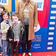 NLD/Amsterdam/20140405 - Filmpremiere Pim & Pom, Claudia Schoemacher - van Zweden en dochter