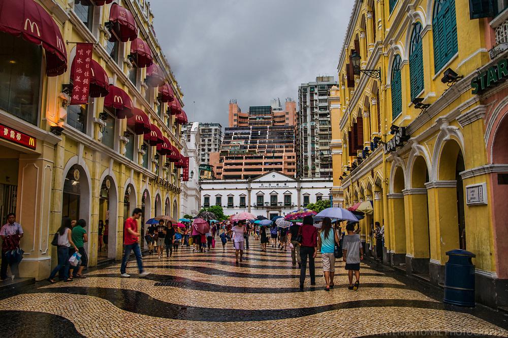 Architecture of Senado Square