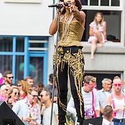 NLD/Amsterdam/20170805 - Gaypride 2017, optreden Glennis Grace