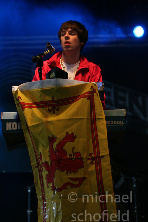 Brian Henderson of The Dykeenies on the Pet Sounds Arena at T in the Park, Sunday 8 July 2007..T in the Park festival took place on the 6th, 7th and 8 July 2007, at Balado, near Kinross in Perth and Kinross, Scotland. This was the first time the festival had been held over three days..Pic ©Michael Schofield. All Rights Reserved..