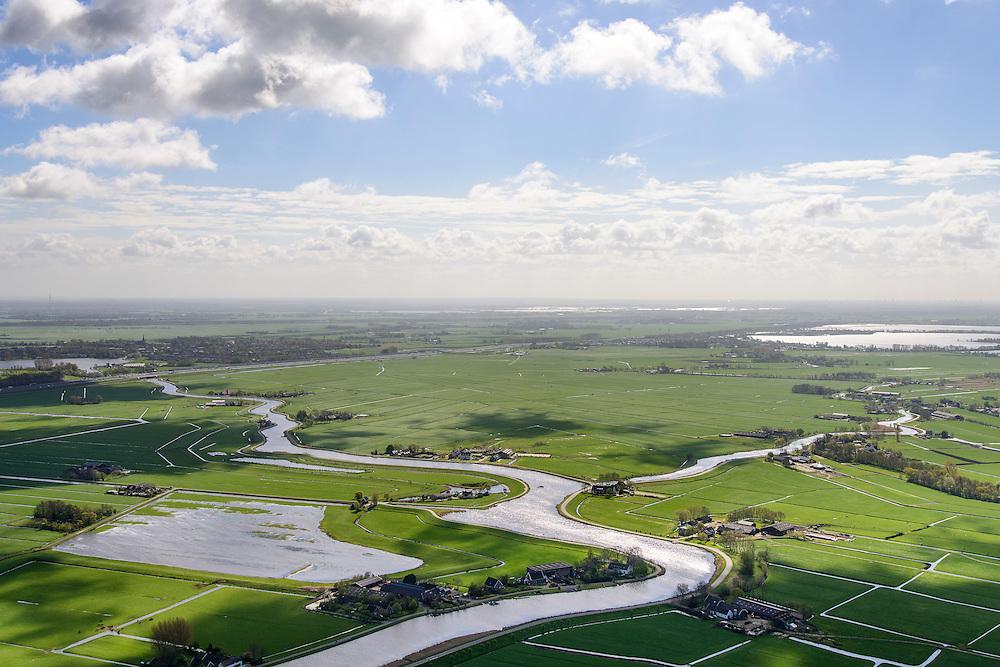 Nederland, Noord-Holland, Gemeente Ouder-Amstel, 09-04-2014; Amstelland, met meanderend riviertje Holendrecht richting A9 en Abcoude, riviertje de Waver naar rechts. Polder Waardassacker-en Holendrecht.<br /> Small rivers and polders South of Amsterdam.<br /> luchtfoto (toeslag op standard tarieven);<br /> aerial photo (additional fee required);<br /> copyright foto/photo Siebe Swart