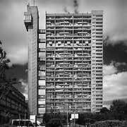 trellick tower, london, concrete, black and white