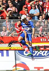 26.09.2015, Alte Foersterei, Berlin, GER, 2. FBL, 1. FC Union Berlin vs MSV Duisburg, 9. Runde, im Bild Kopfballduell zwischen Roberto Puncec (#4, 1. FC Union Berlin) und Kevin Scheidhauer (#33, MSV Duisburg), 1. FC Union Berlin vs. MSV Duisburg, Fussball, 2. Bundesliga, 26.09.2015, Foto: Hundt/Eibner // SPO during the 2nd German Bundesliga 9th round match between 1. FC Union Berlin and MSV Duisburg at the Alte Foersterei in Berlin, Germany on 2015/09/26. EXPA Pictures © 2015, PhotoCredit: EXPA/ Eibner-Pressefoto/ Hundt<br /> <br /> *****ATTENTION - OUT of GER*****