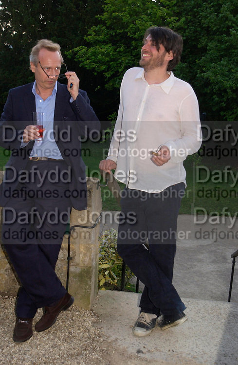 Alex James. Mollie Dent-Brocklehurst and Vanity Fair host  the opening of 'Vertigo'  a mixed art exhibition at Sudeley Castle. Winchombe, Gloucestershire. 18 June 2005. ONE TIME USE ONLY - DO NOT ARCHIVE  © Copyright Photograph by Dafydd Jones 66 Stockwell Park Rd. London SW9 0DA Tel 020 7733 0108 www.dafjones.com
