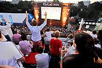 GEPA-2906087389A - WIEN,AUSTRIA,29.JUN.08 - FUSSBALL - UEFA Europameisterschaft, EURO 2008, Host City Fan Zone, Fanmeile, Fan Meile, Public Viewing. Bild zeigt den Blick von der Summer-Lounge vom Bank Austria UniCredit Group Tower auf die Anzeigentafel vom Heldenplatz.<br />Foto: GEPA pictures/ Reinhard Mueller
