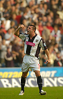 Photo: Leigh Quinnell.<br /> West Bromwich Albion v Arsenal. The Barclays Premiership.<br /> 15/10/2005. West Broms Paul Robinson cheers the win.