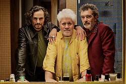 RELEASE DATE: October 4, 2019 TITLE: Pain and Glory STUDIO: Twentieth Century Fox DIRECTOR: Pedro Almodovar PLOT: A film director reflects on the choices he's made in life as past and present come crashing down around him. STARRING: ASIER ETXEANDIA, PEDRO ALMODOVAR, ANTONIO BANDERAS on set. (Credit Image: © Sony Pictures Classics/Entertainment Pictures/ZUMAPRESS.com)