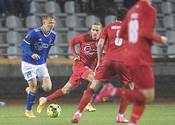 Markus Bay (Fremad Amager) følges af Lucas Haren (FC Helsingør) under kampen i 1. Division mellem Fremad Amager og FC Helsingør den 21. oktober 2020 i Sundby Idrætspark (Foto: Claus Birch).