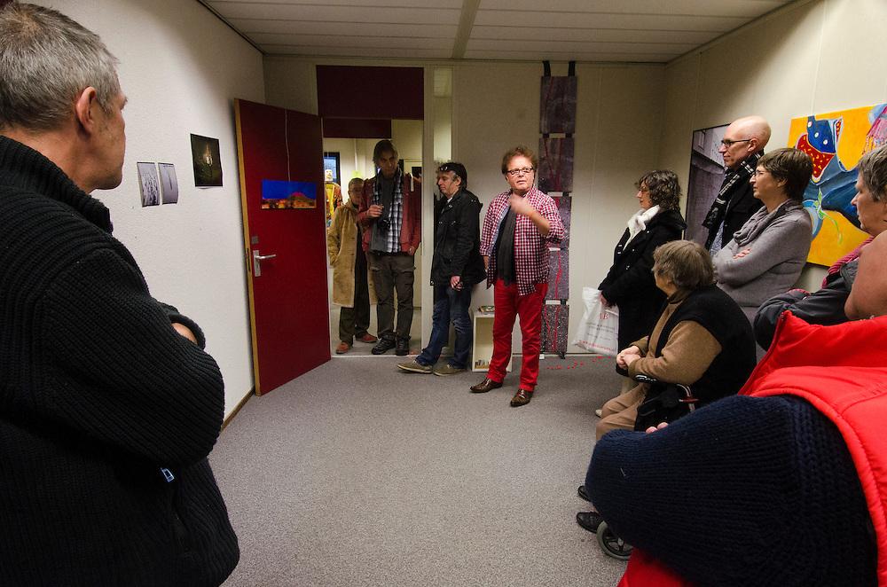 Nederland, Amersfoort, 16 dec  2012.Zondag in de Lichtpen, met de Opdracht: Sporen.Foto(c): Michiel Wijnbergh